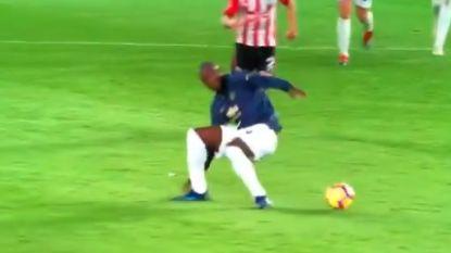 """Lukaku maakt einde aan langste reeks zonder doelpunt, maar vooral zijn controle gaat viraal - Mourinho vindt Pogba """"een virus met een slechte invloed"""""""