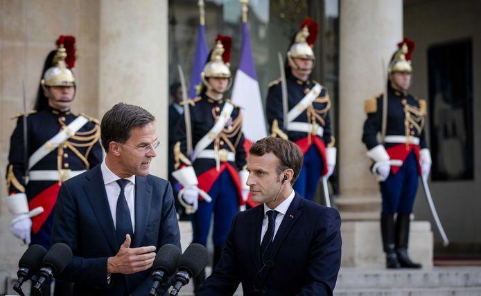 Minister-president Mark Rutte heeft een ontmoeting met de Franse president Emmanuel Macron. De ontmoeting vindt plaats in aanloop naar de informele Europese Raad in het Roemeense Sibiu. Tijdens deze top zal onder andere gesproken worden over de toekomst van de EU.