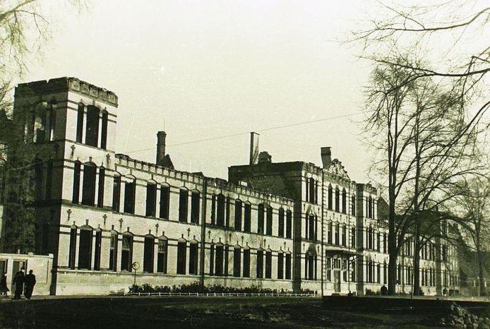 Het voormalige Paleis van Justitie aan de Zuidwal, net na de oorlog.
