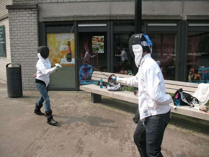 In 2009 was een workshop schermen een van de activiteiten van de Ragweek. Foto: Ragweek Nijmegen