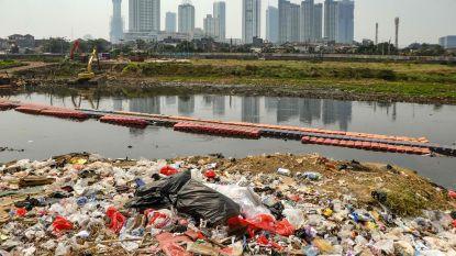 Afvalvrije economie krijgt zware klappen: lage olieprijs maakt nieuw plastic goedkoper dan gerecycleerd