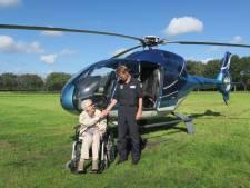 97-jarige beleeft droomvlucht in helikopter boven Brummen