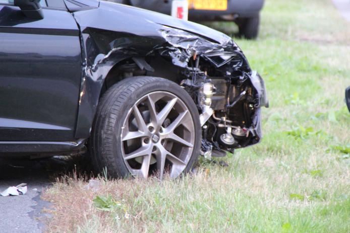 Schade aan één van de auto's die bij het ongeval in Renswoude was betrokken.