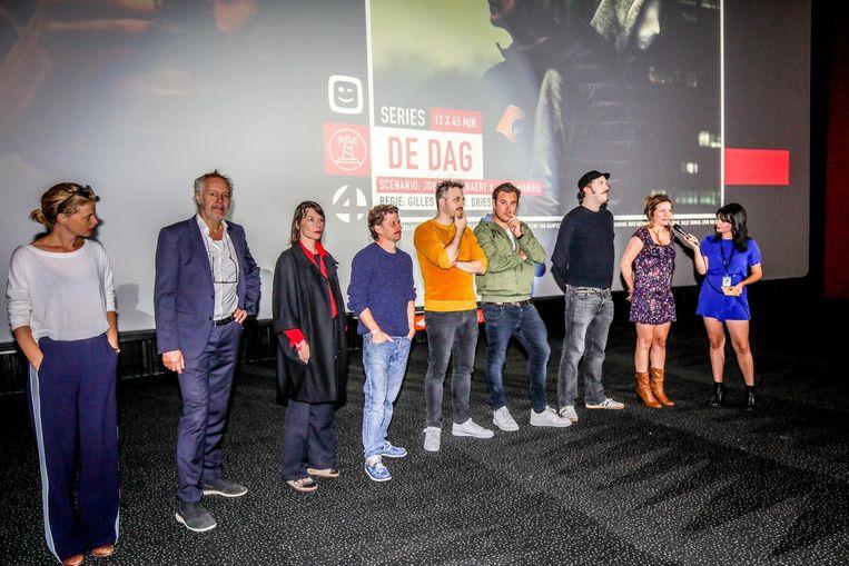 Een deel van de cast en crew van serie 'De Dag'.