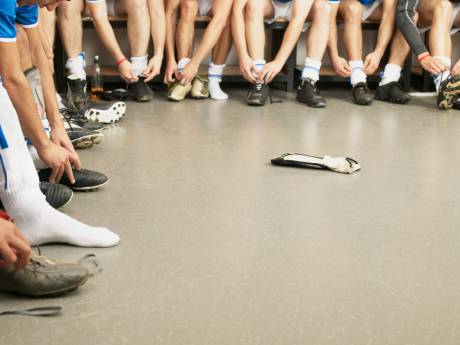 Brutale diefstal in kleedkamer Quick'20: jonge voetballers alles kwijt