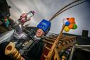 De Lieropse Prins Piet van Oosterhout laat vanaf vandaag voor veertig dagen flessen bier staan.