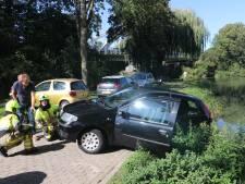 Brandweer redt vrouw in Geldermalsen: bijna te water met auto