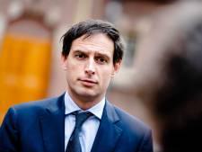 CDA-kroonprins Wopke Hoekstra met schrik vrij bij slag om eurobonds
