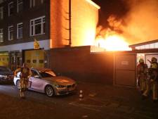 Woningen ontruimd door schuurbrand Oudemansstraat