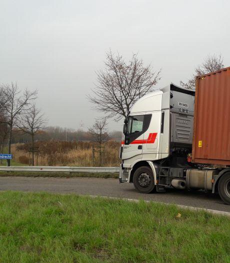 'Verboden routes vrachtwagens in navigatie zetten om sluipverkeer te voorkomen'