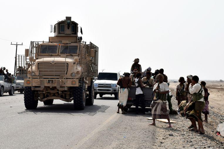 De coalitie heeft 10.000 soldaten naar Hodeida gestuurd om er te vechten tegen de Houthi's, die de controle hebben over de havenstad.