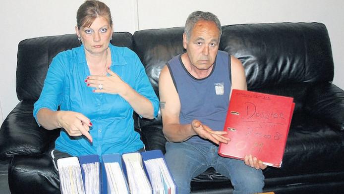 Marijke en Ap, de ouders van Leon Groeneweg, hebben slechts één ordner met informatie van het OM gekregen. Hun eigen onderzoek leverde alleen vijf klappers met gegevens op