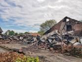 Heukelom leeft mee met echtpaar dat woonboerderij af zag branden: 'Laat maar weten als je iets nodig hebt'