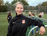 Rebels en vasthoudend: Emma zet zich in voor ontwikkeling damesvoetbal
