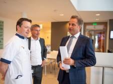 Minister Hugo de Jonge: '100 dagen wachten in ziekenhuis Almelo was onacceptabel'