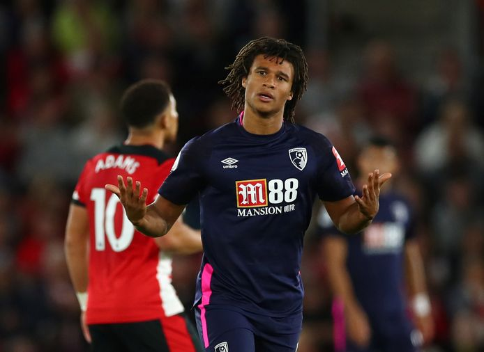 Nathan Aké in het shirt van Bournemouth.