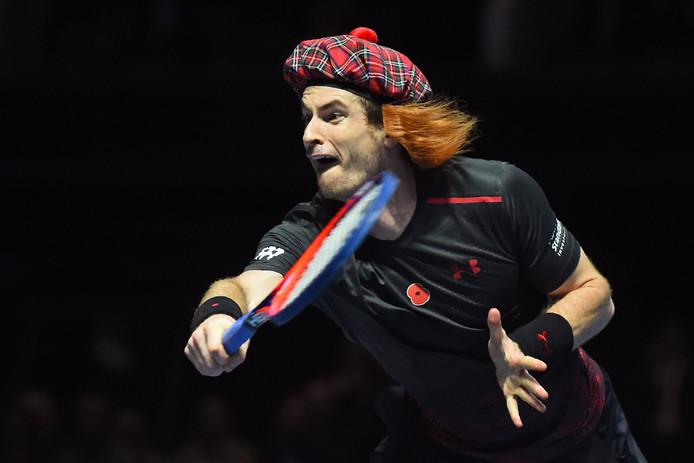 Andy Murray begon de demonstratiepartij tegen Roger Federer met een tartan-pet.
