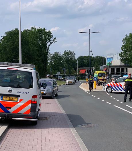 Fietser naar ziekenhuis na ongeval in Hellendoorn