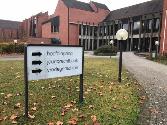 De vrouw werd gestraft in de rechtbank van Brugge.