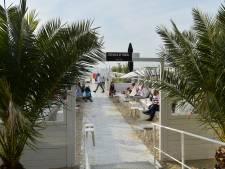 Les bars de plage du littoral doivent impérativement servir à table