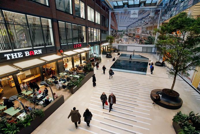 1db6256234d Ook in Hoog Catharijne vermengen horeca en winkels zich meer en meer.