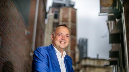 Coronavirus treft Fons Duchateau nu harder: Antwerps schepen in ziekenhuis opgenomen