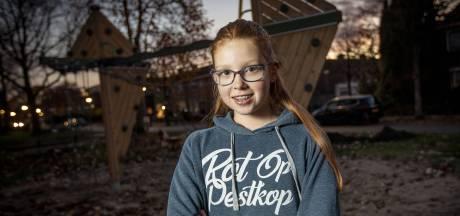 Vlinder Peachey (11) uit Oldenzaal maakt met eigen kledinglijn een vuist tegen pesten
