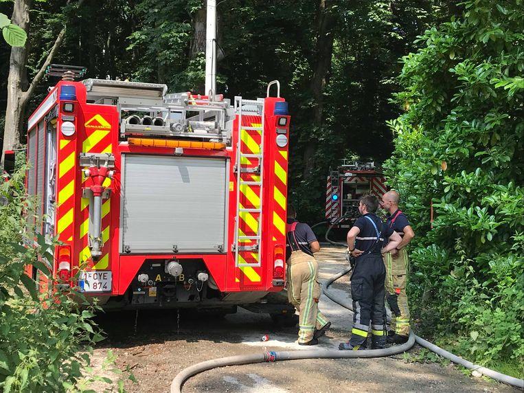 In het Oplinkebeekpad is er deze middag een uitslaande brand in een woning.
