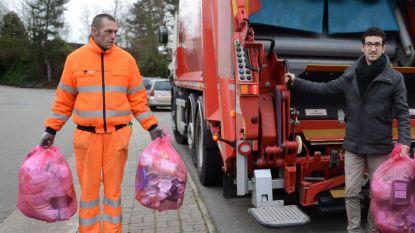 Leuven verdubbelt ophaling roze zak
