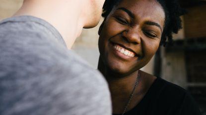 Vandaag is het Wereldlachdag! 19 procent van de Belgen vindt zijn glimlach het mooiste lichaamsdeel