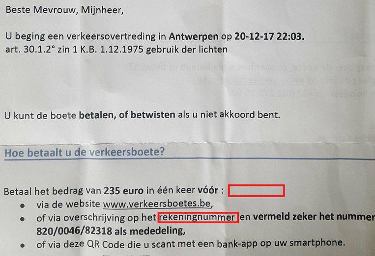 Voorbeeld van een boete die een lezer vorige week in de bus kreeg: niet alleen de uiterste betaaldatum ontbreekt, ook het rekeningnummer.