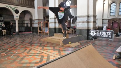 VIDEO/FOTO. Paterskerk wordt even indoorskatepark