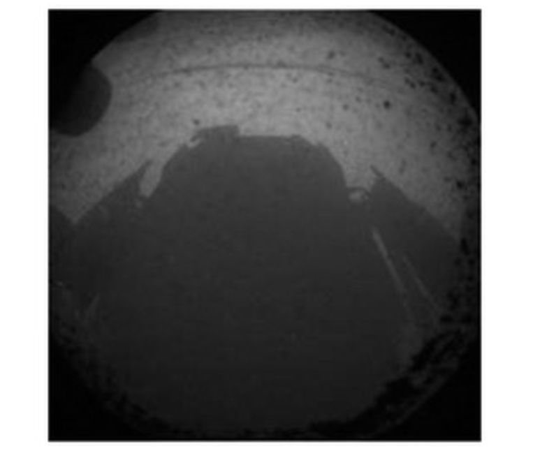 Een van de eerste beelden van Mars, gemaakt door Curiosity. Beeld Nasa