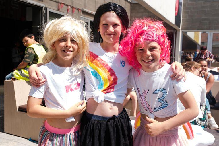 Robbe (rechts) en zijn vrienden kwamen als K3'tjes naar 'Tomorrowland for Kids'.