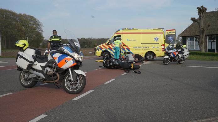 Een motorrijdster is aan het begin van de avond gewond geraakt bij een aanrijding in Joppe.