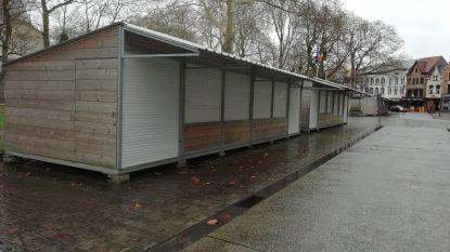 Stad vindt geen heftruck: kraampjes blijven staan