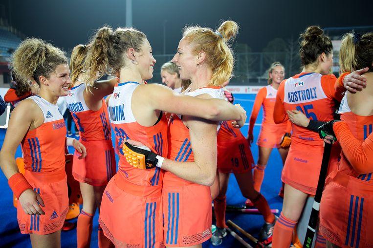 Nederlandse spelers vieren de overwinning op Australië in Changzhou, China. Beeld Getty Images
