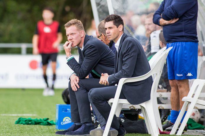 De nagelbijtende ASWH-coach Rogier Veenstra.