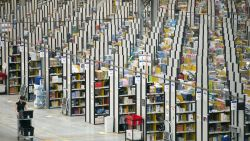 """Undercoverjournalist: """"Werknemers Amazon plassen in flessen, alleen dan kunnen ze hun targets halen"""""""