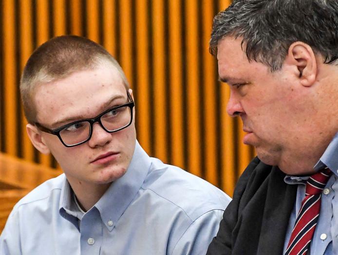 Jesse Osborne in de rechtszaal met naast hem zijn advocaat Frank Eppes.