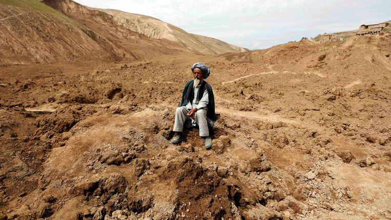 Een Afghaanse man in het Argo-district in de getroffen provincie Badakhshan Beeld REUTERS