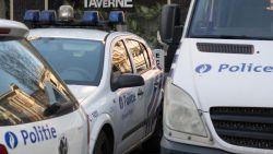 Man rijdt in op politie-inspecteurs in Molenbeek: agenten openen het vuur