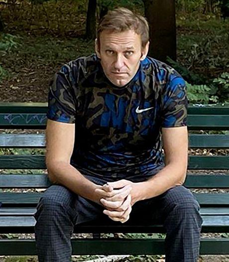 Alexeï Navalny reçoit la visite d'Angela Merkel à l'hôpital