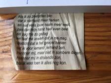 Eleonoor deelt gedicht uit portemonnee van dementerende vader (87): 'Reacties zijn hartverwarmend'