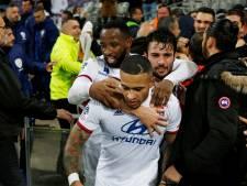 Depay schiet Lyon ver in blessuretijd naar belangrijke overwinning