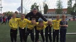 """Voetbalclub en school rouwen om dood van Lore (8) en Lucas (6): """"Hoe leg je zoiets uit aan leeftijdgenootjes?"""""""