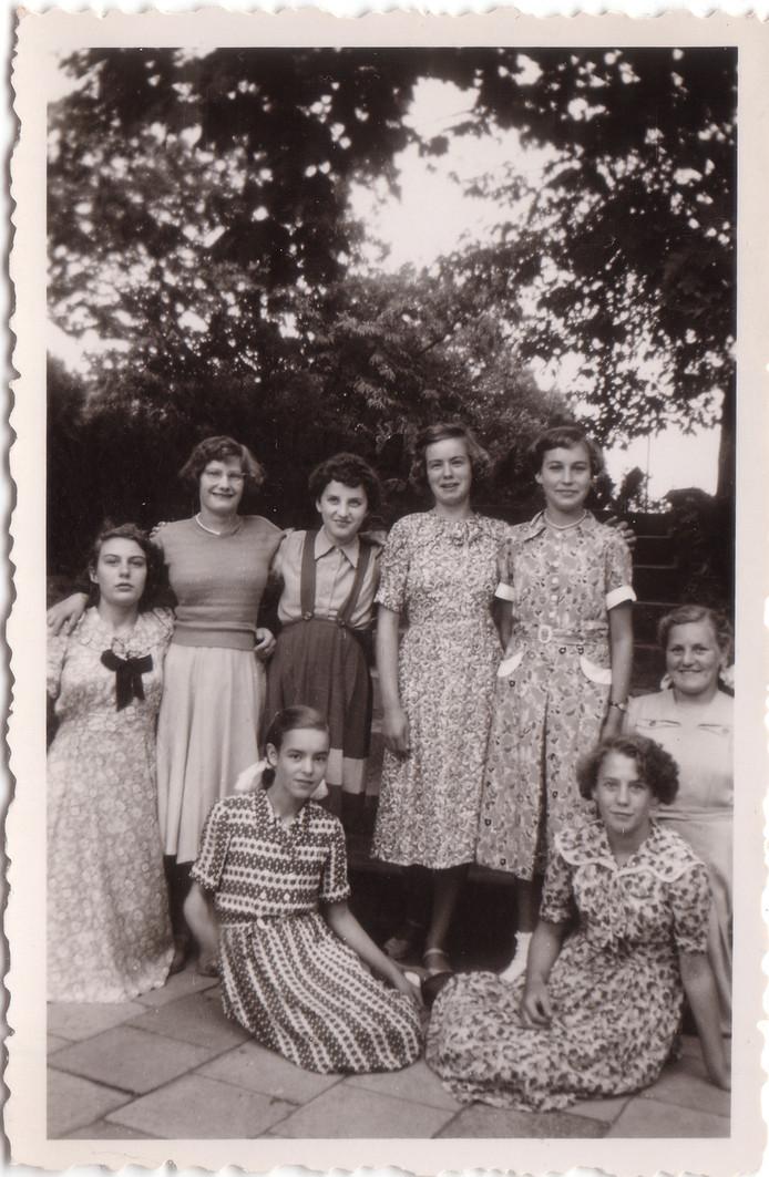 Meisjes uit Schaijk van de MariaSchool.