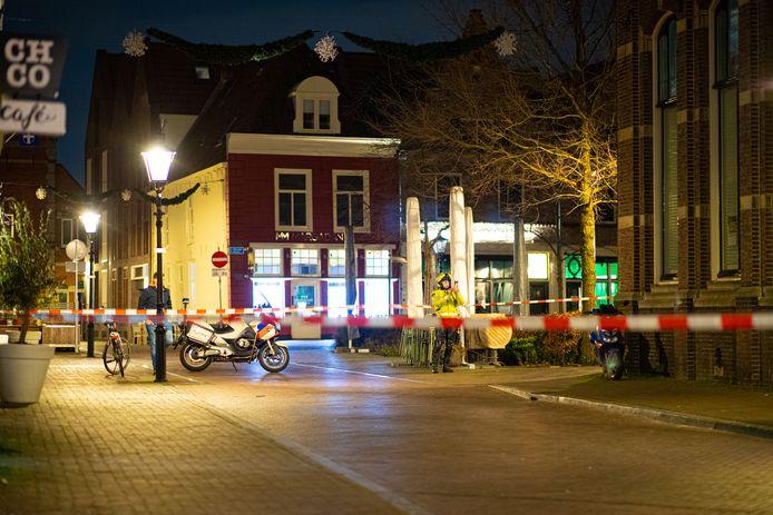 De Nieuwe Markt is door de politie afgezet.