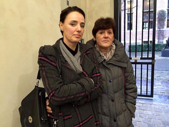 Zus Sofie Collaer met moeder Hilde D'Hertog.