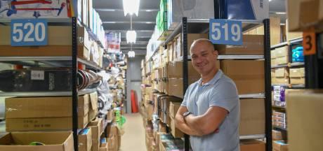 150 coronawerklozen helpen pakketjes maken bij TOM in Bladel